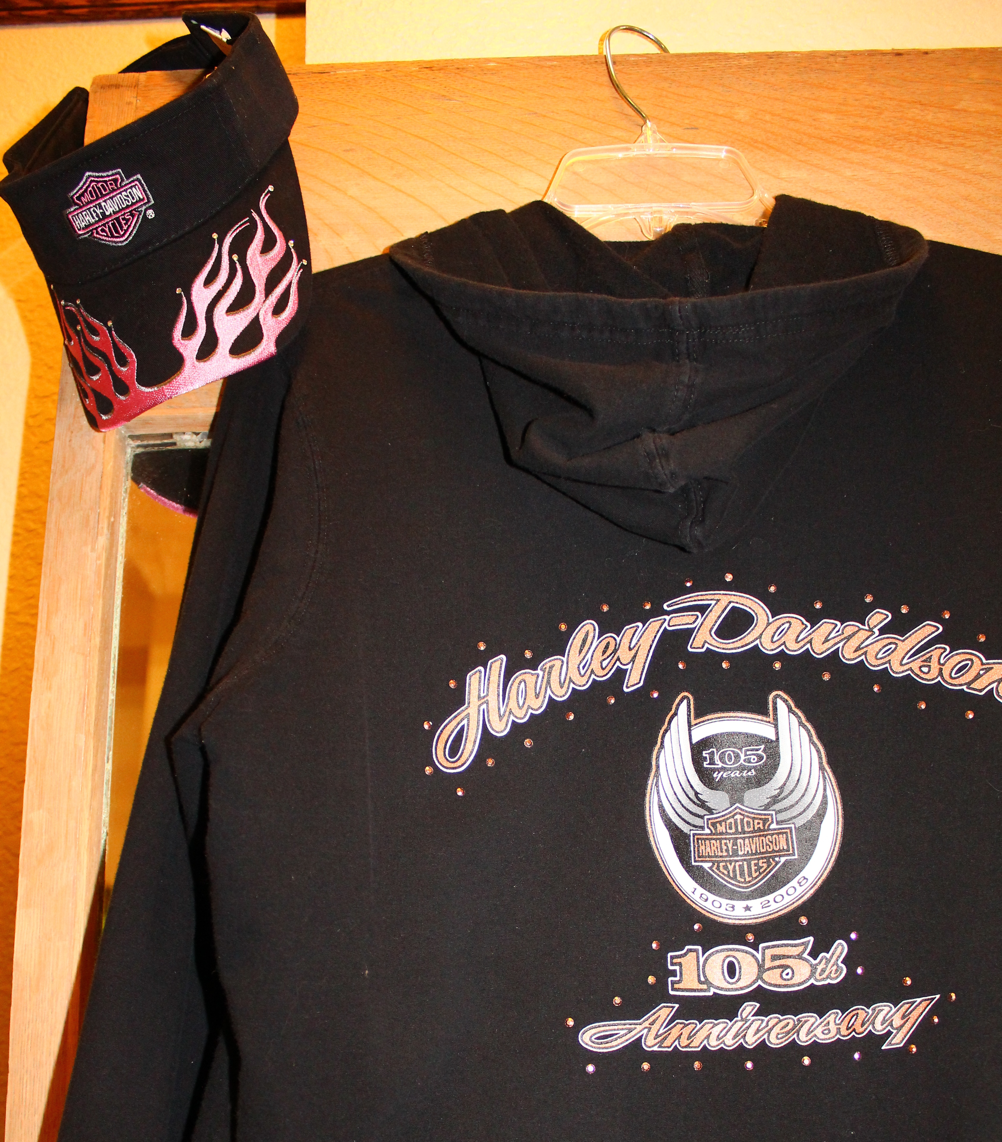 More harley davidson items maggie 39 s closet fashion for Harley davidson decorations for home